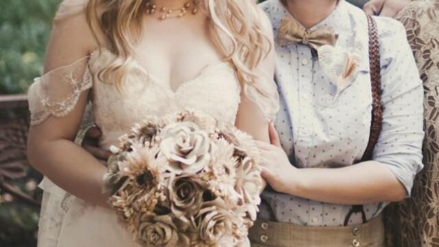 Parintii ei nu au fost de acord cu partenerul ales si nu au venit la nunta. Cum arata mirele. FOTO - Imaginea 1
