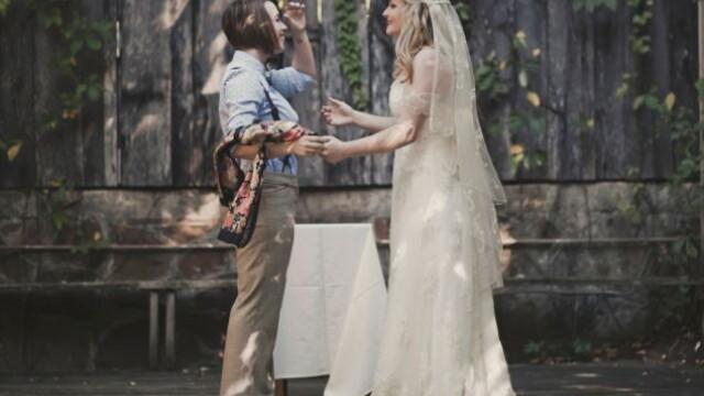 Parintii ei nu au fost de acord cu partenerul ales si nu au venit la nunta. Cum arata mirele. FOTO - Imaginea 4