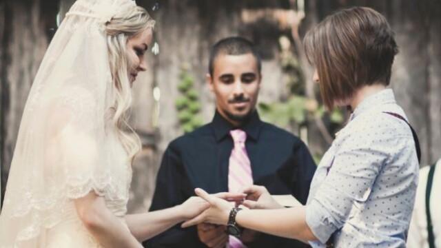 Parintii ei nu au fost de acord cu partenerul ales si nu au venit la nunta. Cum arata mirele. FOTO - Imaginea 6