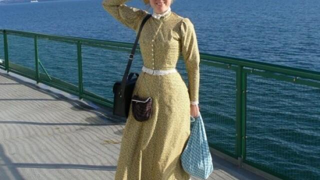 Cum arata femeia din SUA care a renuntat la tehnologie si traieste ca in epoca victoriana. FOTO - Imaginea 2