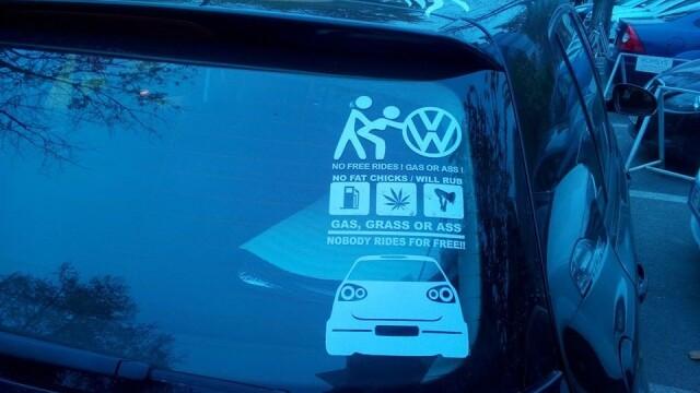 Mesajul indecent pe care si l-a publicat un roman pe masina
