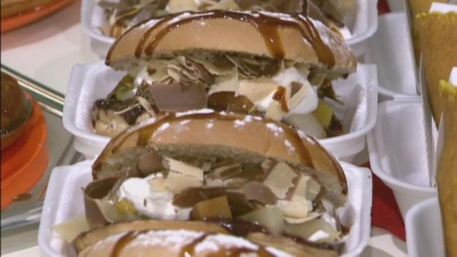 Choco-burgerul a fost vedeta serii la Festivalul Dulciurilor. Cum arata si ce contine inovatia cofetarilor