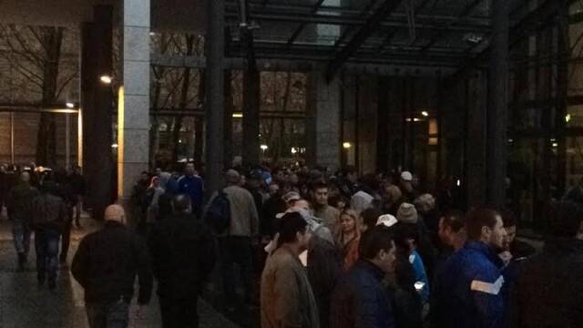 ALEGERI PREZIDENTIALE 2014. Peste 360.000 de voturi s-au inregistrat in diaspora pana la ora 23. Revolte la Paris si Torino - Imaginea 26