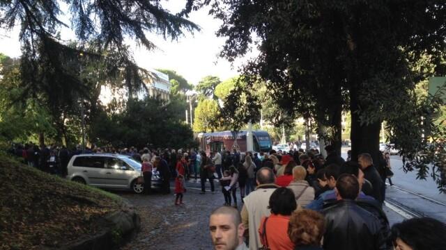 ALEGERI PREZIDENTIALE 2014. Peste 360.000 de voturi s-au inregistrat in diaspora pana la ora 23. Revolte la Paris si Torino - Imaginea 28