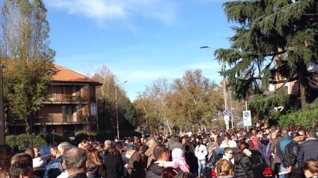 ALEGERI PREZIDENTIALE 2014. Peste 360.000 de voturi s-au inregistrat in diaspora pana la ora 23. Revolte la Paris si Torino - Imaginea 43