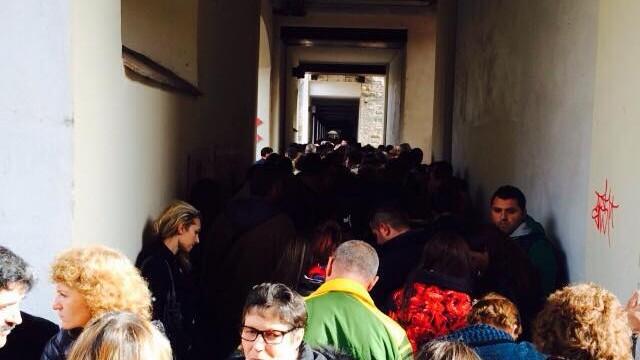 ALEGERI PREZIDENTIALE 2014. Peste 360.000 de voturi s-au inregistrat in diaspora pana la ora 23. Revolte la Paris si Torino - Imaginea 45