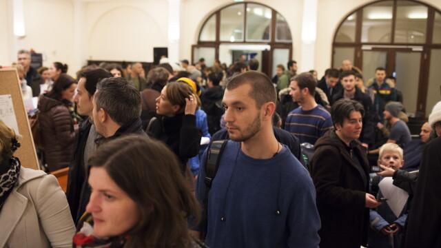 ALEGERI PREZIDENTIALE 2014. Peste 360.000 de voturi s-au inregistrat in diaspora pana la ora 23. Revolte la Paris si Torino - Imaginea 64