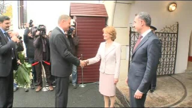 Moment istoric la Palatul Regal: Regele Mihai si-a serbat ziua de nastere. Klaus Iohannis a fost prezent la eveniment - Imaginea 2