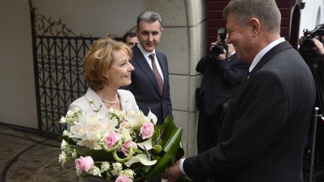 Moment istoric la Palatul Regal: Regele Mihai si-a serbat ziua de nastere. Klaus Iohannis a fost prezent la eveniment - Imaginea 5