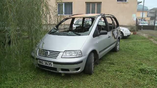Bunicul fetitei de 3 ani, pe care a lasat-o intr-o masina care s-a facut scrum, are dosar penal. Ce a provocat incendiul