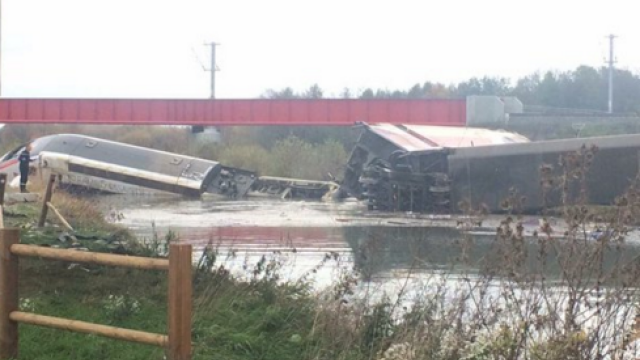 Noua tragedie in Franta. Un TGV care efectua probe a deraiat in apropiere de Strasbourg, cauzand cel putin 10 morti