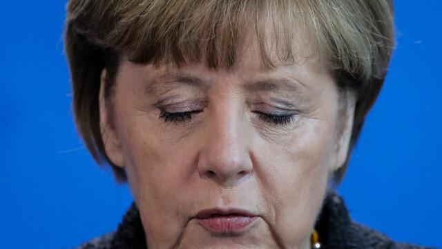 Angela Merkel vrea expulzarea mai rapida a refugiatilor care incalca legea: \