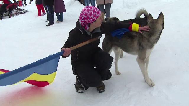 Cristina vrea sa reprezinte Romania, prima data in istorie, la o cursa de sanii trase de caini. Cum poate fi sustinuta tanara