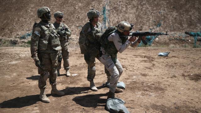 Sute de americani s-au alaturat jihadistilor din Statul Islamic, iar 50 dintre ei ar fi revenit in tara, in ultimul an