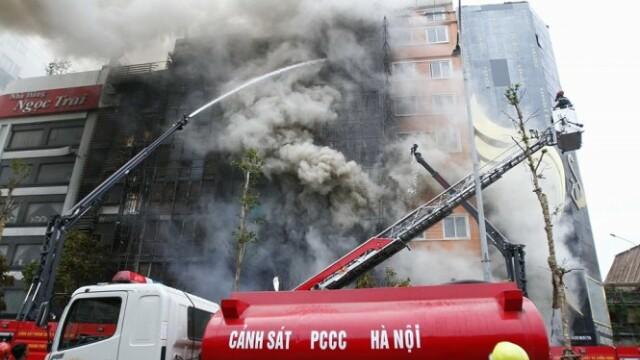 Incendiu intr-un bar de karaoke cu 13 morti, in capitala Vietnamului. Nerespectarea normelor de securitate, cauza tragediei - Imaginea 3
