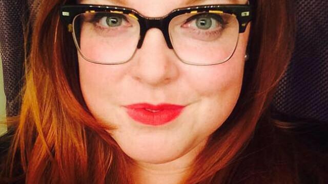 O femeie se afla intr-un restaurant si a auzit de la masa alaturata jigniri la adresa comunitatii gay. De ce le-a platit nota