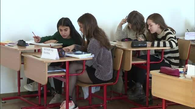 Rezultatele unei schimbări făcute la 2 licee de top din București: toți elevii învață doar dimineața