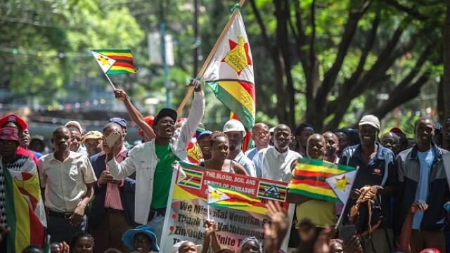 Bucurie în Zimbabwe după demisia lui Mugabe