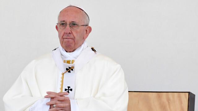 Papa Francisc: Lumea este la un pas de un război nuclear