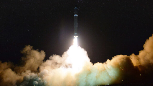 Coreea de Nord plănuieşte să atace SUA cu rachete nucleare lansate de pe submarine - Imaginea 5