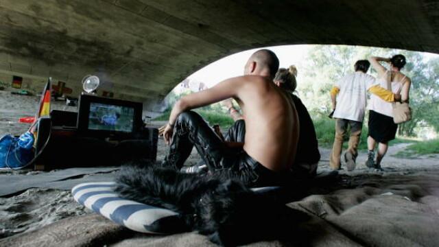"""Raport îngrijorător Amnesty despre romii din România, care trăiesc în """"condiții disperate"""" în Suedia"""
