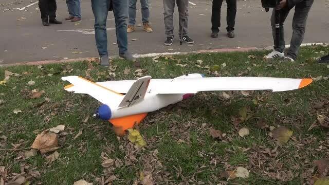 Premieră mondială. Un român a construit o dronă pe care a ghidat-o deasupra Carpaților - Imaginea 5