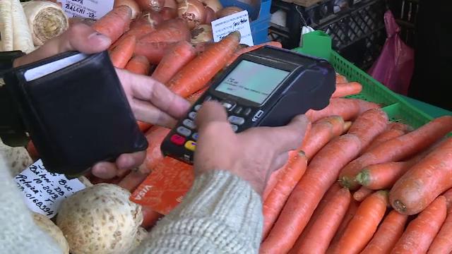 """Orașele din România în care se poate plăti la piață cu cardul. """"Li se pare ciudat"""""""