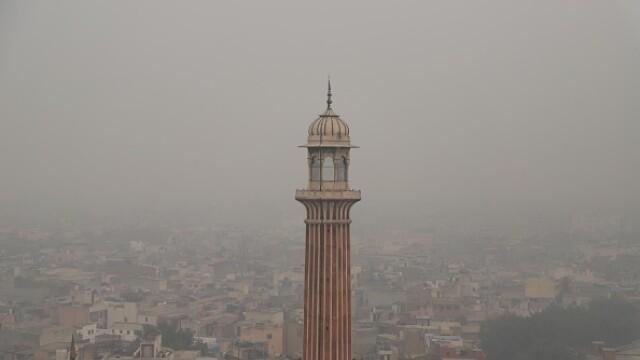 """Orașul """"sufocat"""" de poluare. A fost declarată stare de urgenţă. FOTO - Imaginea 5"""