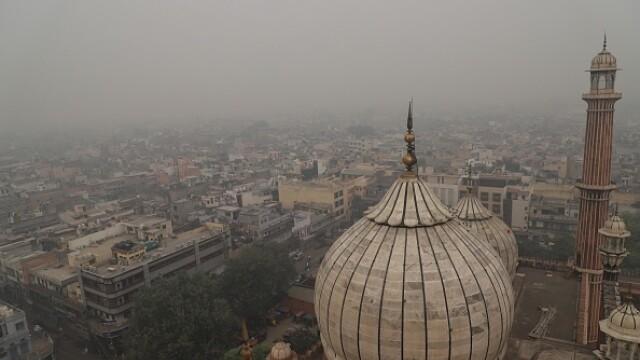 """Orașul """"sufocat"""" de poluare. A fost declarată stare de urgenţă. FOTO - Imaginea 1"""