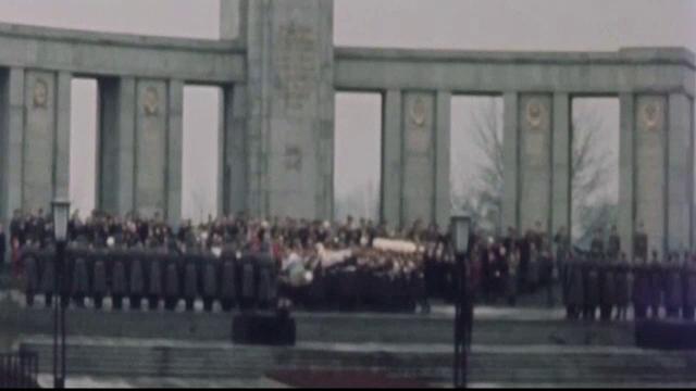 Eveniment special în Germania. Cum comemorează nemții căderea zidului Berlinului - Imaginea 2