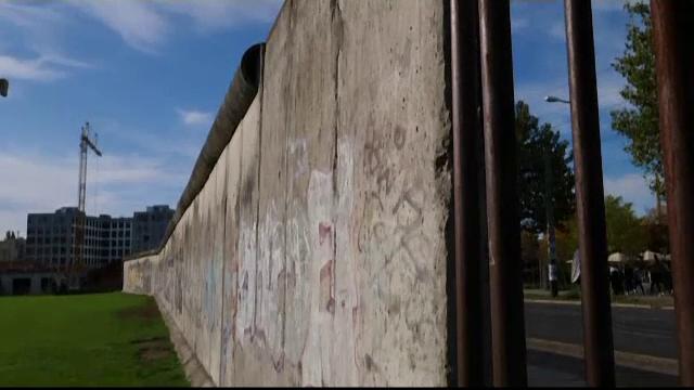 Eveniment special în Germania. Cum comemorează nemții căderea zidului Berlinului - Imaginea 3