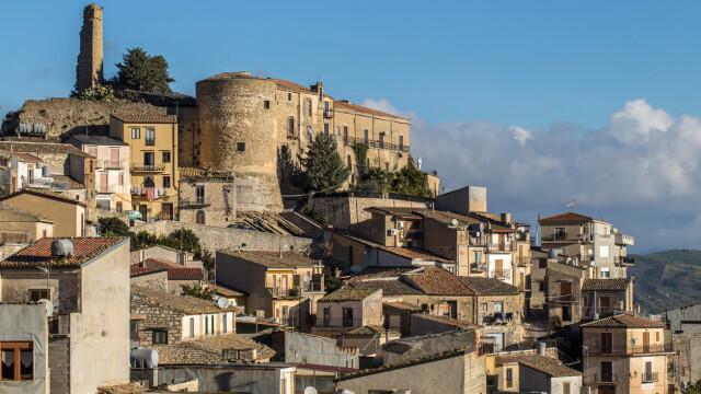 Orașul european care oferă case gratuit. Ce condiții trebuie să îndeplinească proprietarii - Imaginea 5