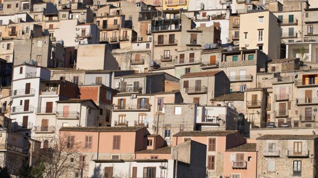 Orașul european care oferă case gratuit. Ce condiții trebuie să îndeplinească proprietarii - Imaginea 2
