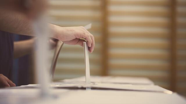 Primar și viceprimar din Olt acuzați de coruperea alegătorilor. Poliția a deschis dosar penal