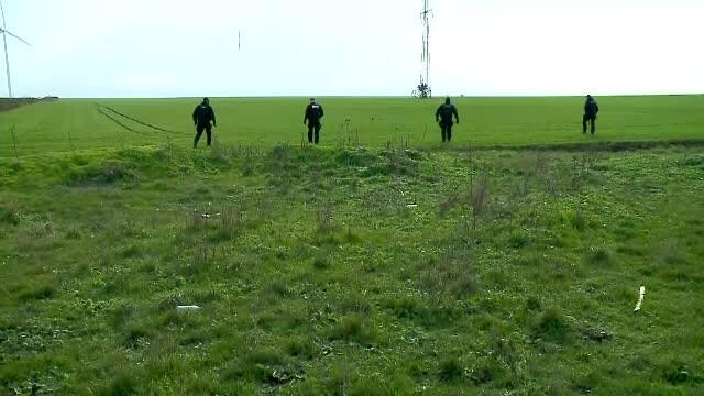 Patru proiectile explozive, descoperite de un localnic pe un câmp din Giurgiu