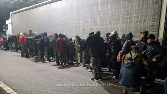 Zeci de cetățeni străini prinși la vama Nădlac. Unde se ascundeau