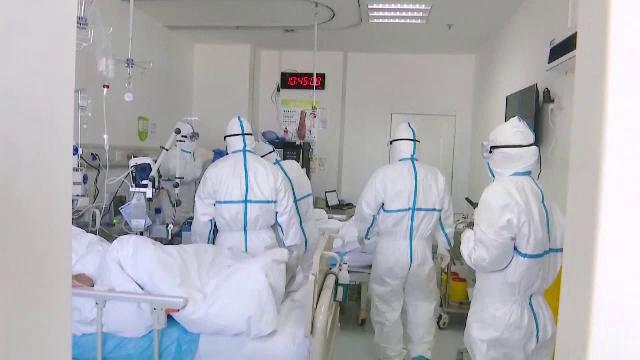 """Tot mai multe spitale, în pragul colapsului: """"Este ca la război"""""""