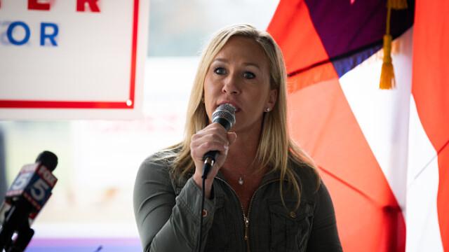 O republicană apropiată de mişcarea QAnon a câştigat un loc în Congres