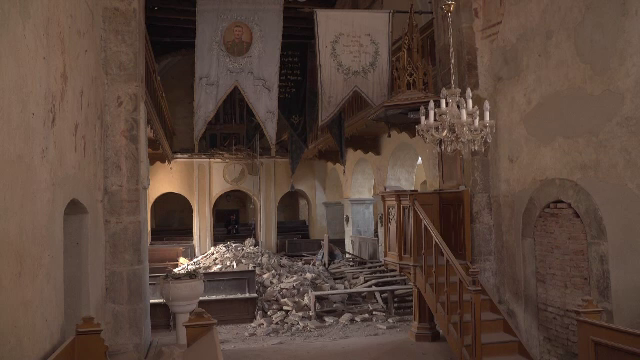 """Tavanul bisericii fortificate din Alțâna, veche de sute de ani, s-a prăbușit. """"Mi s-a tăiat respirația când am văzut"""""""