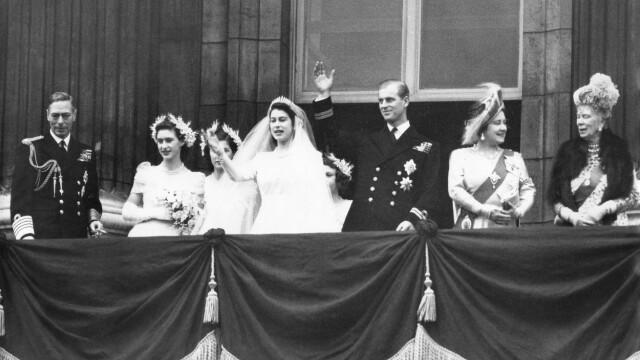 Regina Elisabeta şi prinţul Philip sărbătoresc 73 de ani de căsnicie