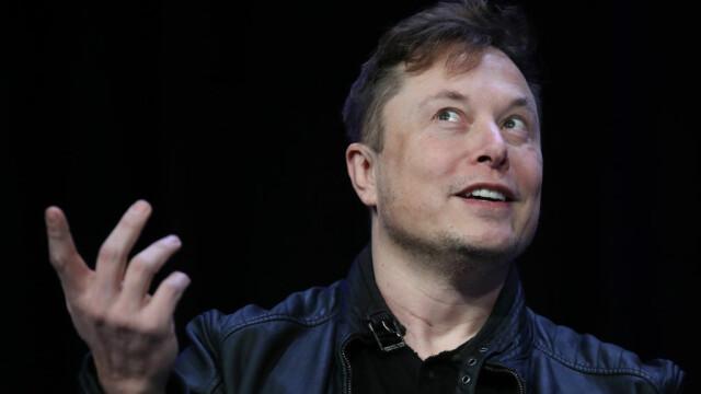 """Elon Musk și-a schimbat denumirea funcției în """"tehno-rege"""" al Tesla"""