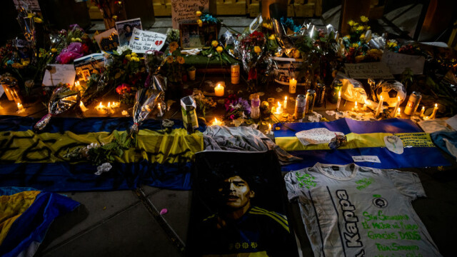 Incidente la Palatul prezidenţial din Buenos Aires, unde se află depus sicriul lui Maradona. O persoană, rănită
