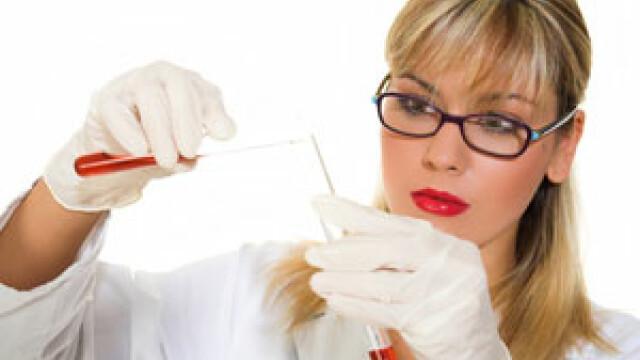 Luni incepe vaccinarea elevelor impotriva cancerului de col uterin