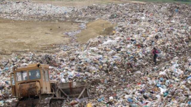 3 sferturi dintre gropile de gunoi din Romania nu respecta normele europene