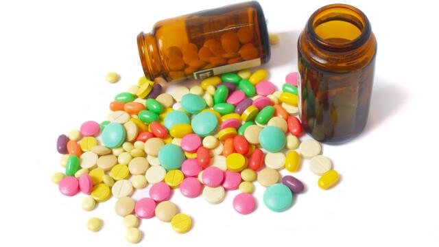 230 de romani cu reactii grave si neasteptate, dupa teste cu medicamente