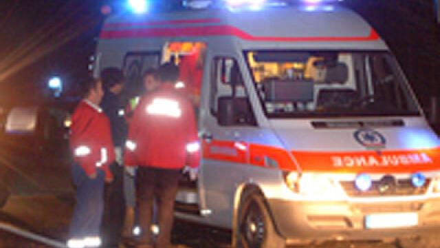 Soferul a fost transportat la spital