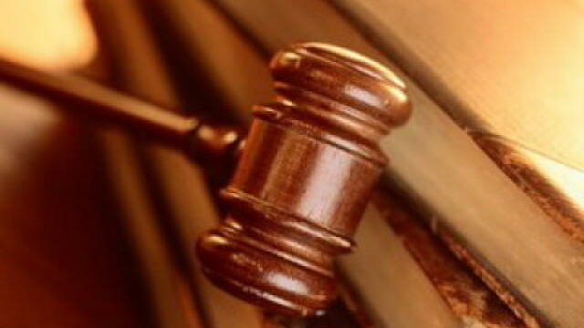 Un acuzat a omorat in bataie un martor, intr-o sala de judecata din Dresda