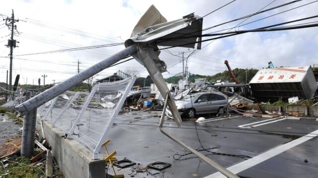Taifunul Melor in Japonia! Un mort si 32 de raniti