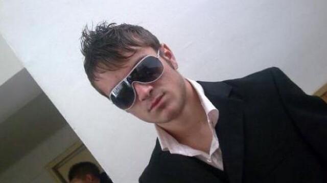 Legistii: Moartea elevului din Craiova, cauzata de doua lovituri de cutit - Imaginea 4