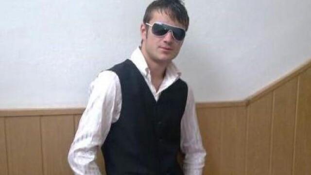 Legistii: Moartea elevului din Craiova, cauzata de doua lovituri de cutit - Imaginea 5
